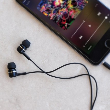 E300M In-Ear Headphones with Mic.